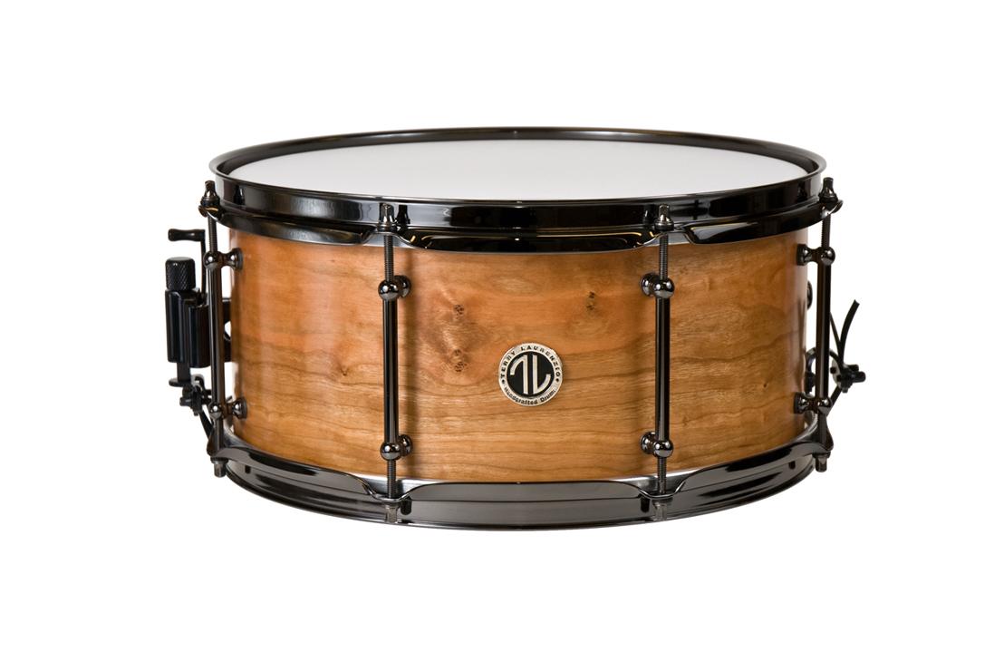Vintage cherry snare drum